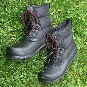 Hunter Puffy Quilted Waterproof lace up Boot 7